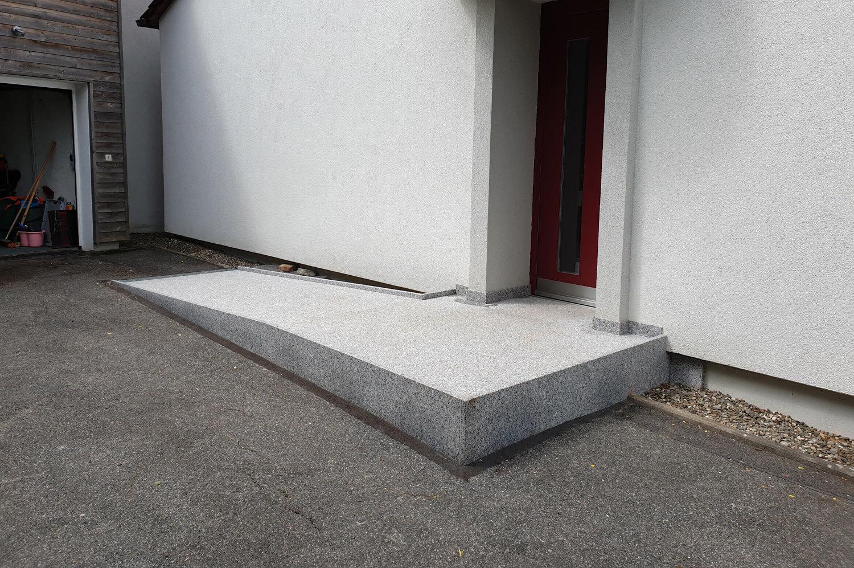 speer-naturstein_eingangsbereich-barrierefrei-thost-1