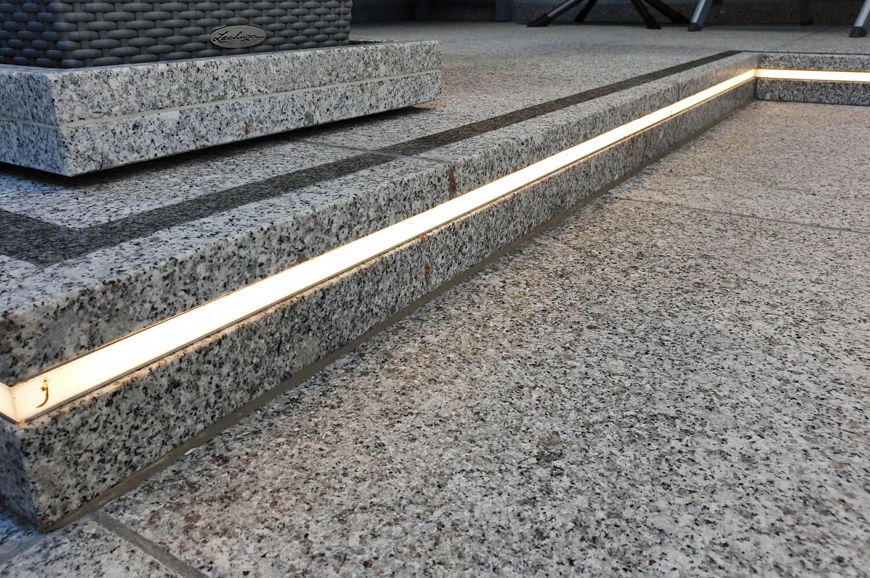 speer-naturstein_eingangsbereiche_neugestaltung-terrasse-eingangsbereich-2