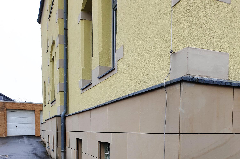 speer-naturstein_restaurierung_austausch-fassadenplatte-2